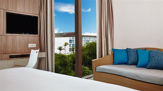 OZOHotels.com EXCLUSIVE: FREE Upgrade  + Late Check-out
